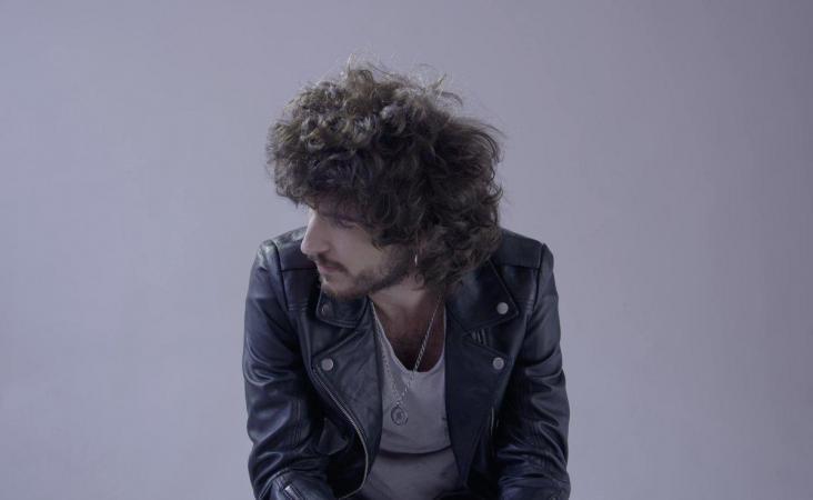 Isma Romero estrena el videoclip de 'Carlota' en EL Pais